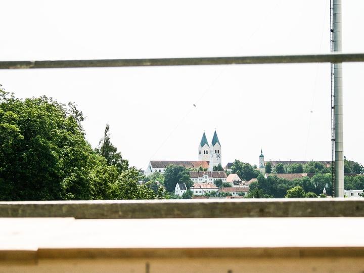 Ausblick vom Balkon auf den Freisinger Dom